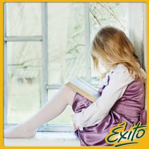 leyendo en la ventana